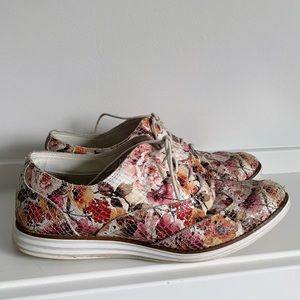 Cole Haan Floral Textured Print Sneakers Shoes 8